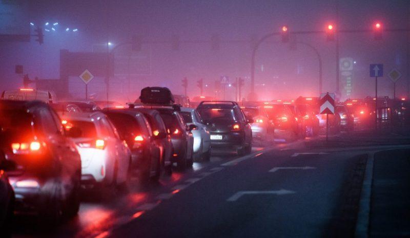 Industria del motor: ¿Cómo solventar el problema de deshacerse de los coches más contaminantes?